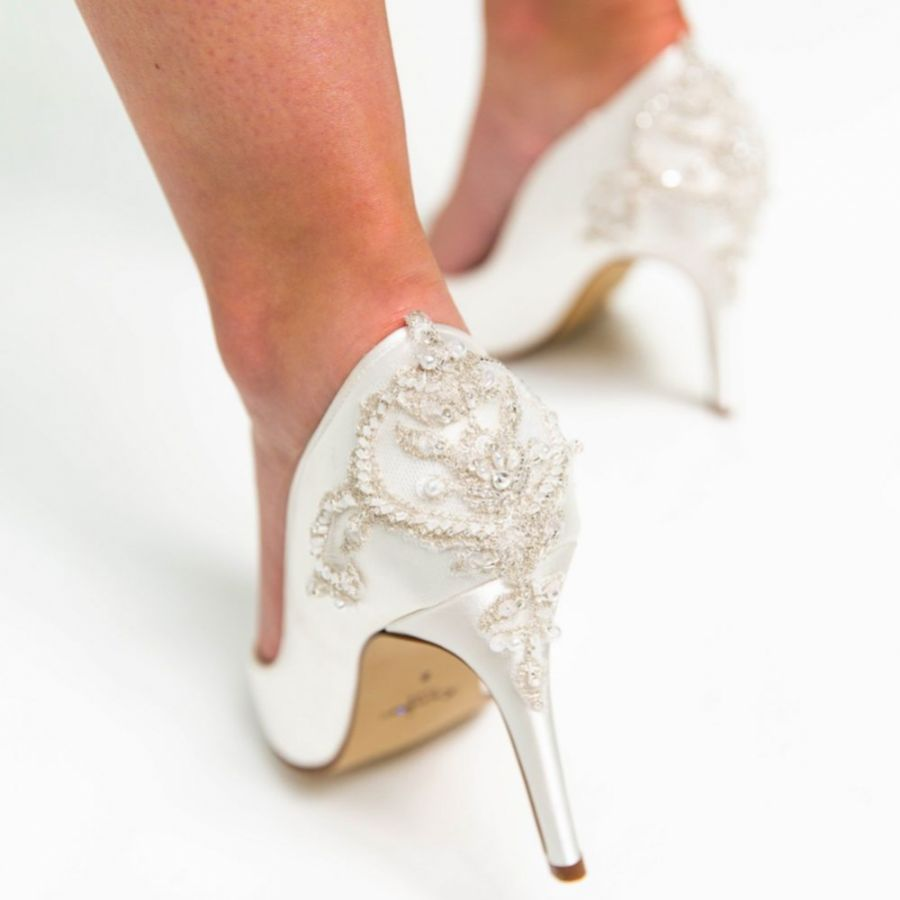 Do's And Don'ts For Choosing The Perfect Wedding Shoes