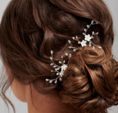 Amy Delicate Floral Crystal Hair Pin