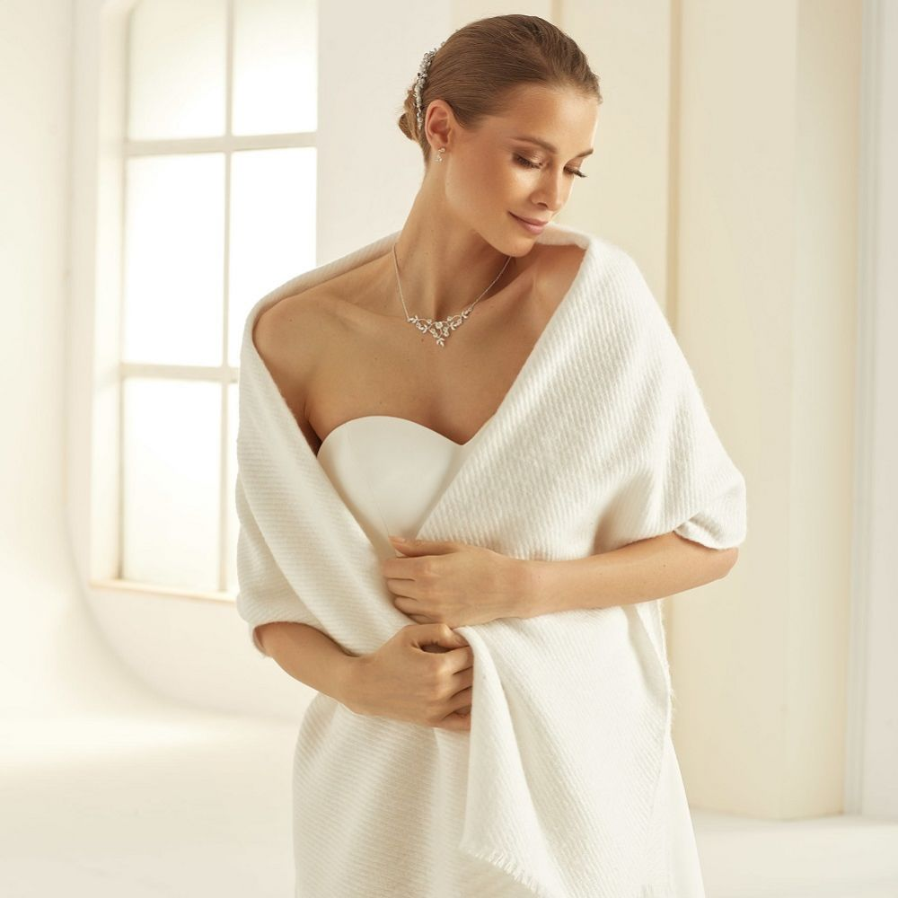 Bianco Ivory Knitted Wedding Shawl E339