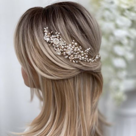 Deloras Gold Freshwater Pearl and Flowers Hair Vine