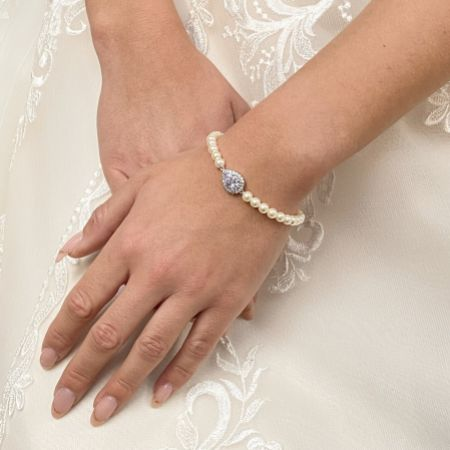 Desiree Chic Pearl Wedding Bracelet (Silver)