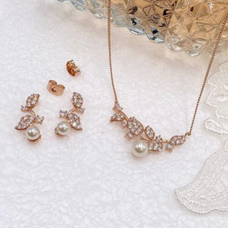 Ivory and Co Aphrodite Rose Gold Bridal Jewellery Set
