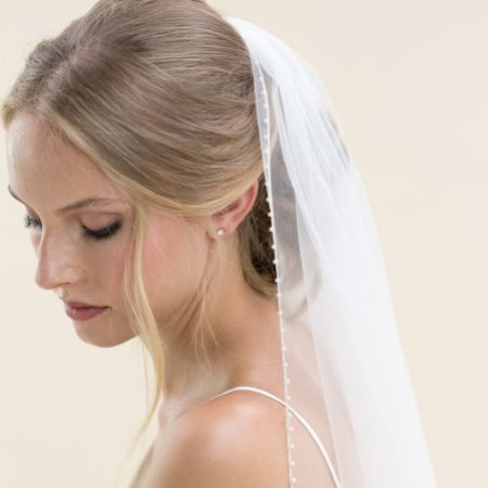 Rainbow Club Hydrangea Ivory Single Tier Pearl Edge Fingertip Veil