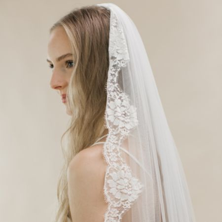 Rainbow Club Spellbinder Ivory Lace Edge Chapel Length Veil