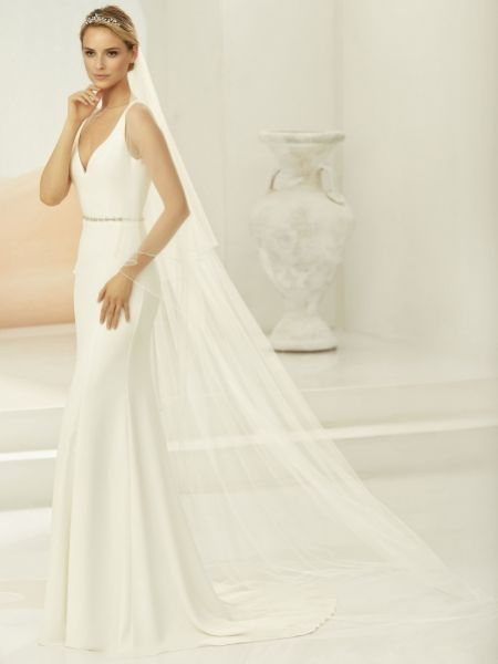 Bianco Ivory Two Tier Beaded Edge Chapel Veil S396