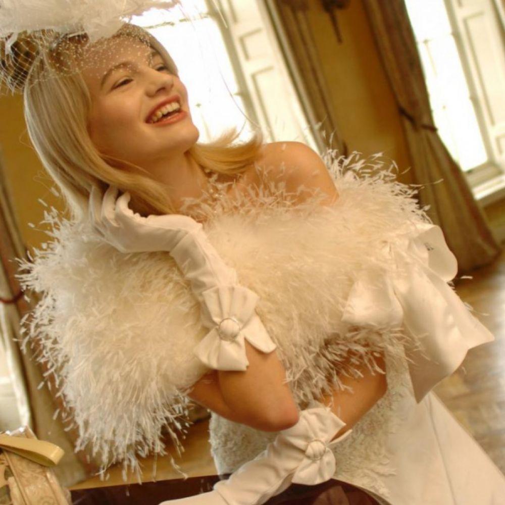 Sasso Diamante Bow Satin Bridal Gloves