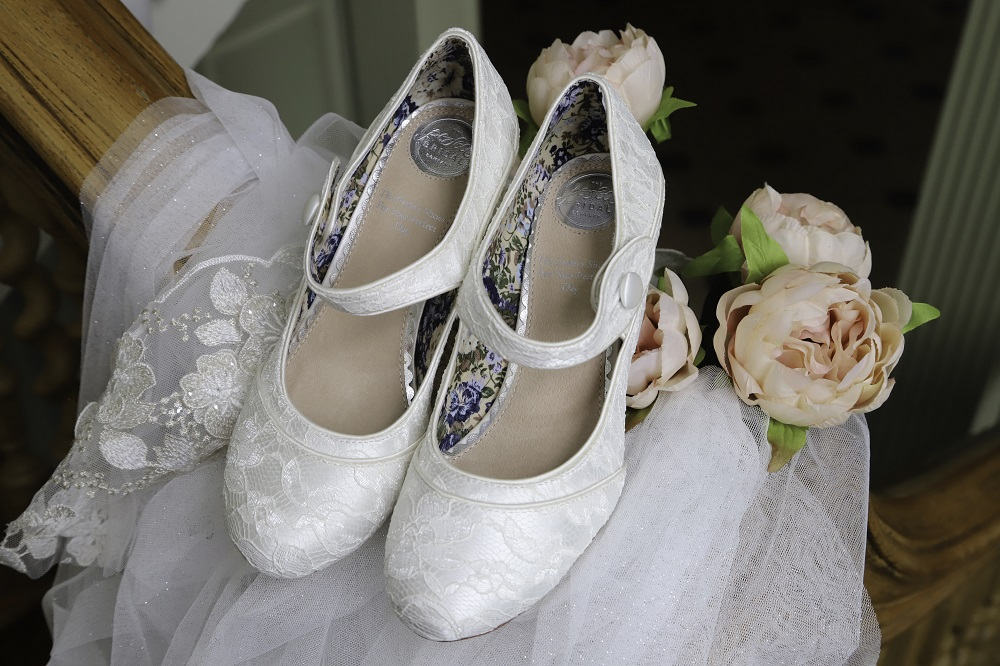 esta-lace-wide-fit-mary-jane-shoes