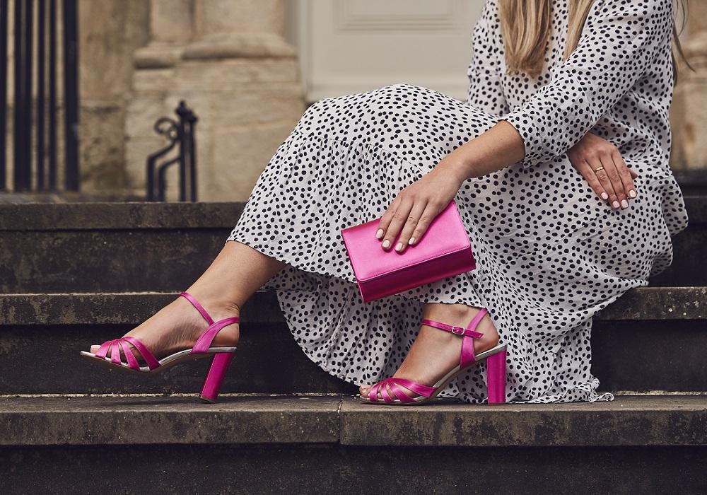 blake-and-dafnee-dyed-hot-pink