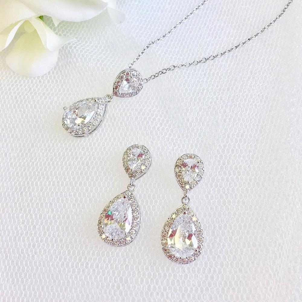 celeste pendant and earrings