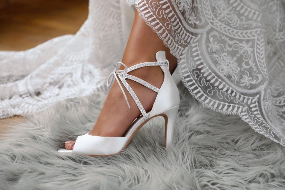 kelis-high-heel-sandals